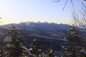 先週登った赤岳がよく見えます